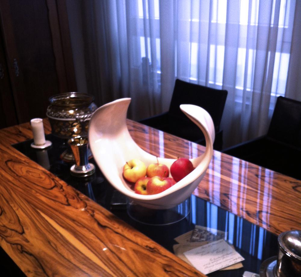 Fruchtschale am Tisch-1